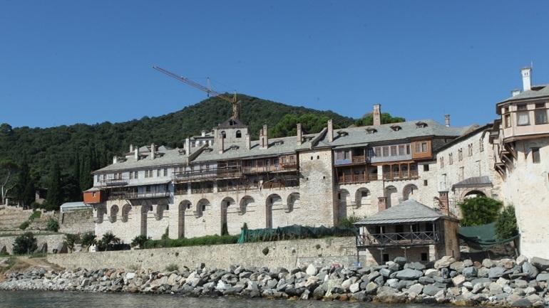 Άγιο Όρος: Απαγόρευση προσκυνηματικών επισκέψεων ως το τέλος του μήνα λόγω Covid-19