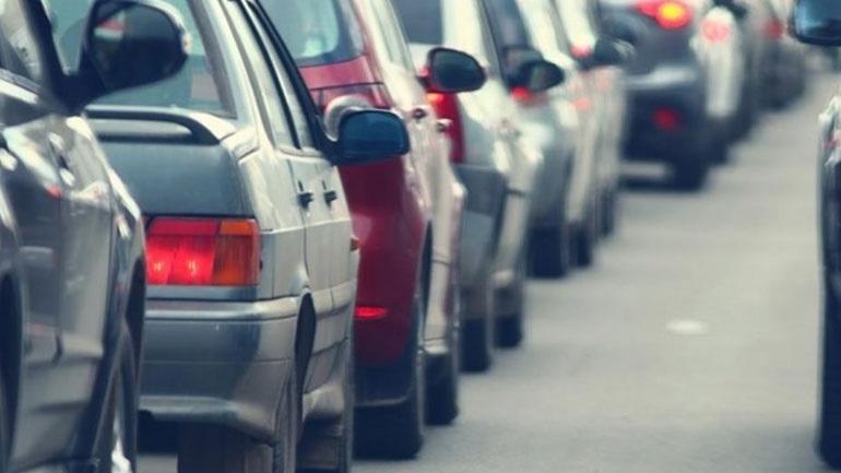 «Προς το τέλος του έτους η απόφαση για ενδεχόμενη παράταση πληρωμής των τελών κυκλοφορίας»