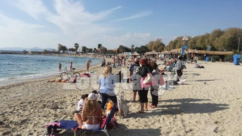 Συνωστισμός στην ελεύθερη παραλία του Αλίμου