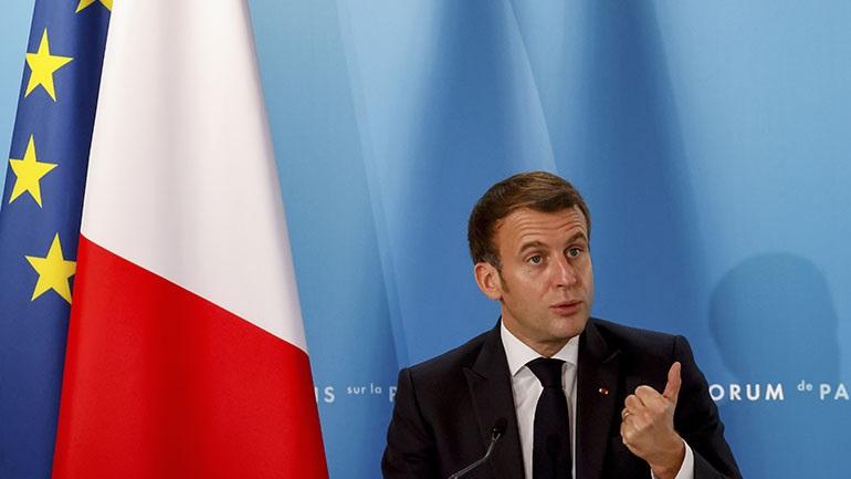 Ο Μακρόν επικρίνει την κάλυψη των ισλαμιστικών επιθέσεων στη Γαλλία από πολλά αγγλοσαξονικά μέσα ενημέρωσης