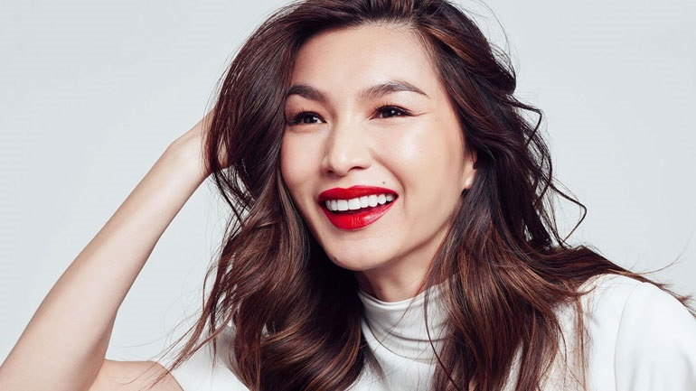 Η Gemma Chan είναι η νέα brand Ambassador της L'Oréal Paris