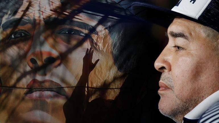 Έφυγε από τη ζωή ο θρύλος Ντιέγκο Μαραντόνα