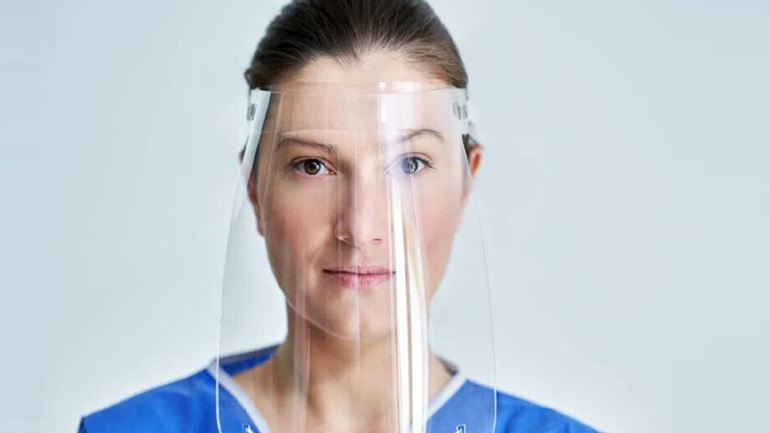Έρευνα: Οι προσωπίδες χωρίς μάσκα από μέσα δεν προστατεύουν από τον κορωνοϊό