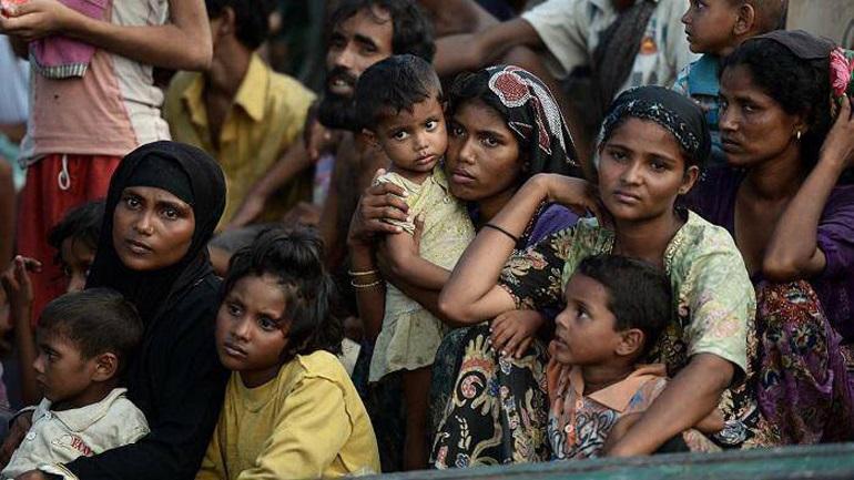Πρόσφυγες Ροχίνγκια μεταφέρθηκαν σε ένα απομακρυσμένο και «επικίνδυνο» νησί