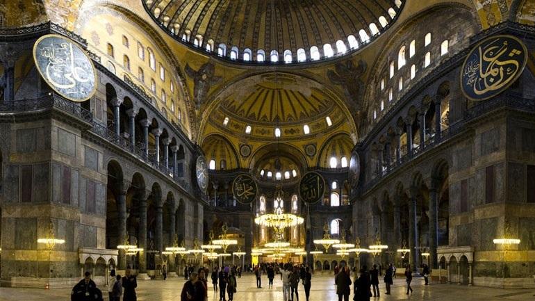 Από την Αγία Σοφία η πρώτη πρόκληση Ερντογάν για το νέο έτος: «Είναι το στέμμα του 2020»