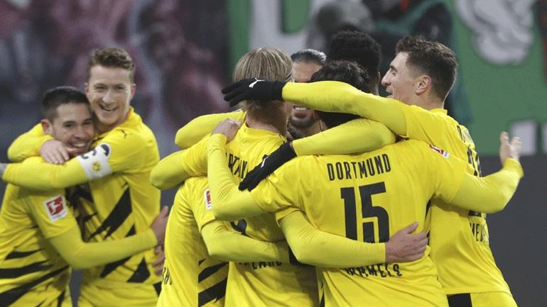 Γερμανία: Η Ντόρτμουντ νίκησε εκτός έδρας 3-1 τη Λείψια και κράτησε την Μπάγερν στην κορυφή!