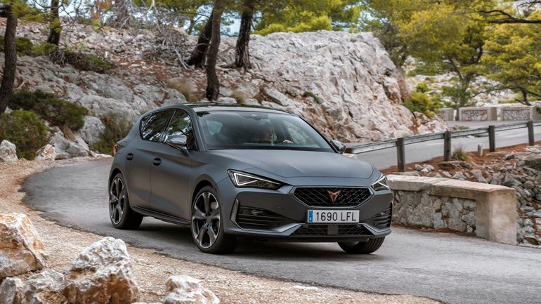 The Cupra Leon e-Hybrid came to Greece