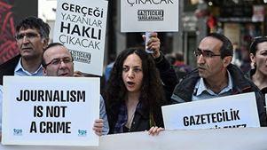 Τουρκία: Εντάλματα σύλληψης για στελέχη της εφημερίδας Sozcu