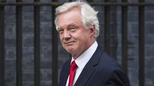 Βρετανία: O Ντέιβις εξέφρασε τη βεβαιότητά του για καλή διαπραγμάτευση με την Ε.Ε για το Brexit