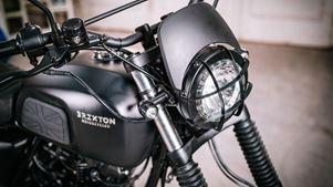 Βrixton Motorcycles: Tώρα σε Scrambler και Café Racer