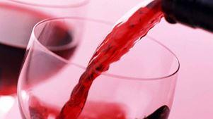 Αποστόλου: Εντός του έτους καταργείται ο ειδικός φόρος κατανάλωσης κρασιού