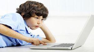 Επιπρόσθετο άγχος προκαλούν στα νέα παιδιά τα μέσα κοινωνικής δικτύωσης