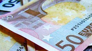 Guardian: «Η Ελλάδα σχεδιάζει επιστροφή στις αγορές ομολόγων καθώς η Αθήνα βλέπει τέλος της λιτότητας»
