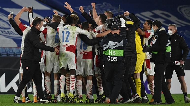 Europa League: Σούπερ εκπλήξεις από Σλάβια Πράγας και Γιουνγκ Μπόις