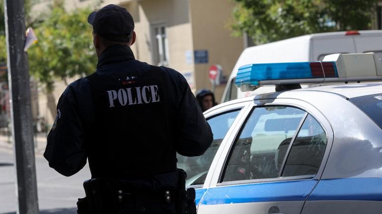 Μαχαίρωσε την 30χρονη κόρη της μπροστά στα εγγόνια της