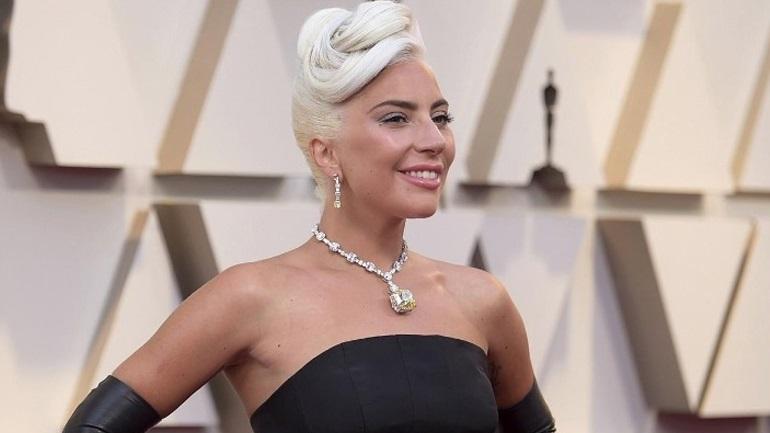 Lady Gaga: Αμοιβή 500.000 δολάρια για τα κλεμμένα σκυλάκια της