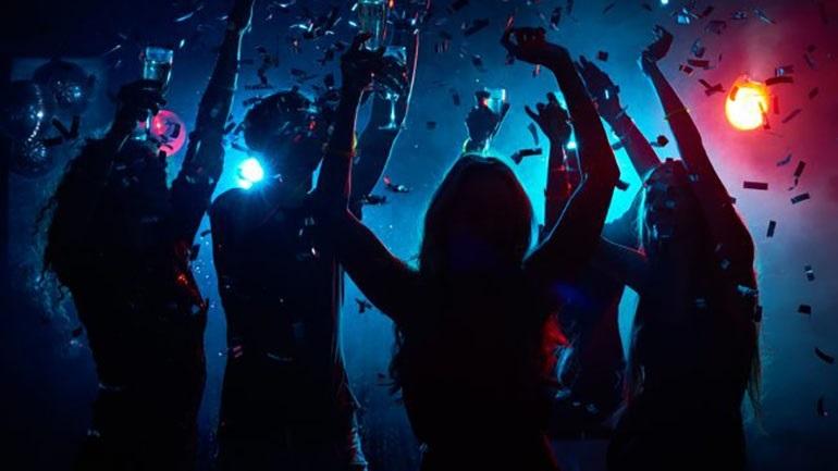 Σε εξέλιξη επιχείρηση σε νυχτερινό κέντρο στην Αθήνα με ζωντανή μουσική και θαμώνες