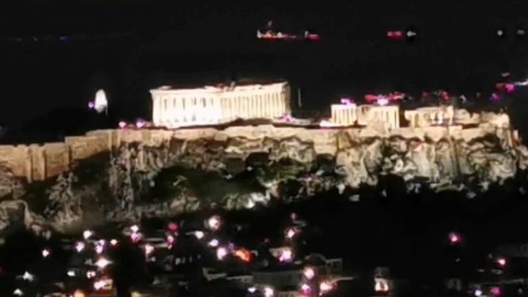Ώρα της Γης: Έσβησε τα φώτα της η Ακρόπολη για την προστασία του περιβάλλοντος