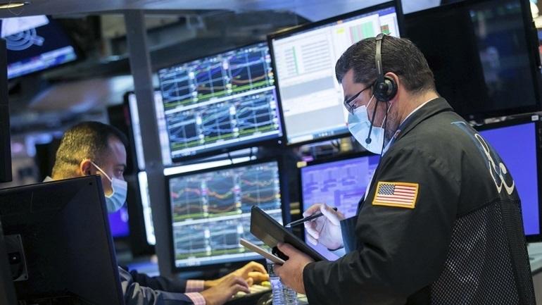Wall Street:  Κλείσιμο με άνοδο - Για πρώτη φορά πάνω από τις 4.000 μονάδες έκλεισε ο S&P 500