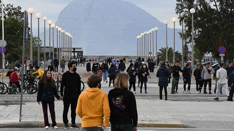 Επιτρέπονται οι διαδημοτικές μετακινήσεις σε Θεσσαλονίκη, Αχαΐα και Κοζάνη