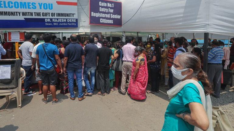 Δραματική η κατάσταση στην Ινδία: Κλείνουν εμβολιαστικά κέντρα λόγω ελλείψεων