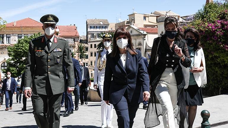 Κέρκυρα: Κατάθεση στεφάνου από την ΠτΔ στο Μνημείο της Ένωσης της Επτανήσου