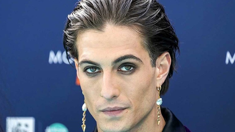 Damiano David: Δείτε τον Ιταλό frontman των Μaneskin με εσώρουχα