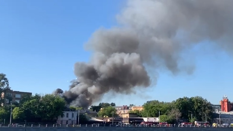 LIVE: Εκρήξεις στη Μόσχα μετά από φωτιά σε αποθήκη