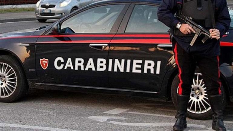 Ιταλία: Συνελήφθη άνδρας που απειλούσε τουρίστες με μαχαίρι έξω από τη Βασιλική του Αγίου Πέτρου