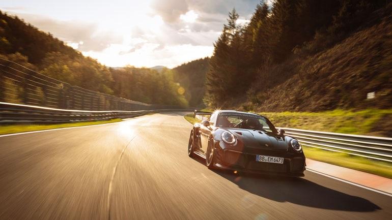 Νέο ρεκόρ γύρου στην πίστα του Nürburgring έκανε η Porsche