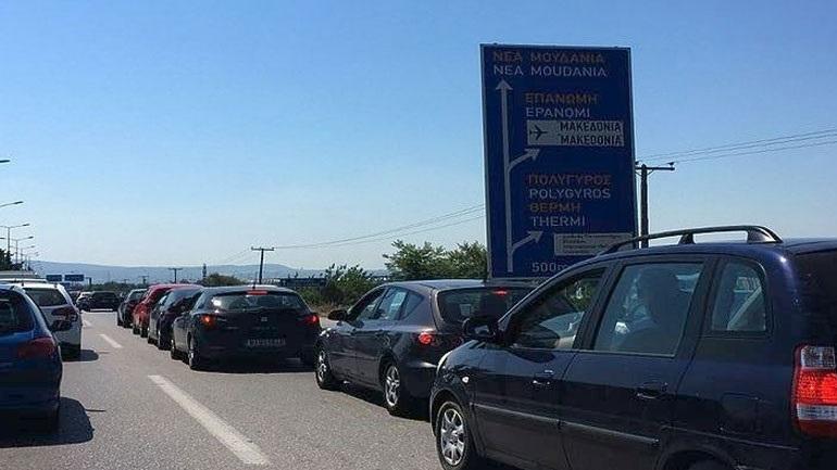 Μποτιλιάρισμα και καθυστερήσεις κατά την έξοδο των Θεσσαλονικέων για Χαλκιδική