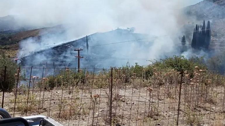 Φωτιά στην Κεφαλονιά – Ενισχύονται οι δυνάμεις της Πυροσβεστικής