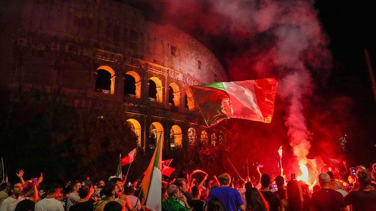Euro 2021: Η Ιταλία ξενύχτησε με πανηγυρισμούς