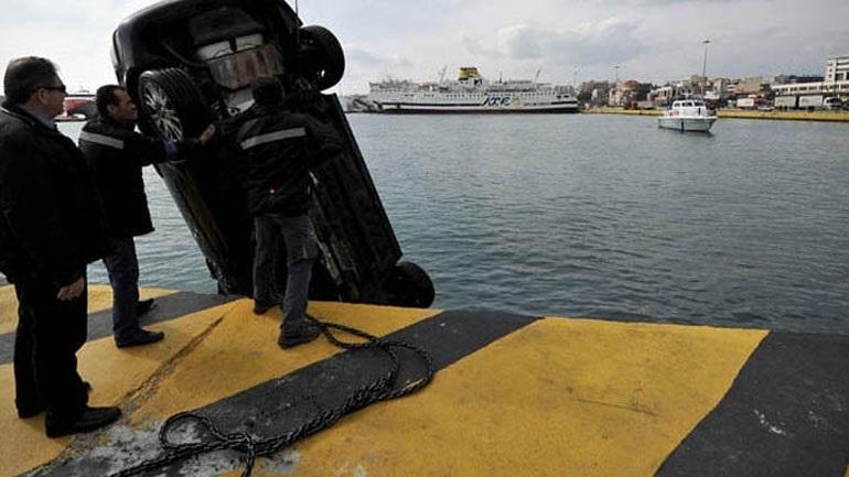Νεκρός ανασύρθηκε οδηγός αυτοκινήτου που έπεσε στη θάλασσα στην Ιτέα