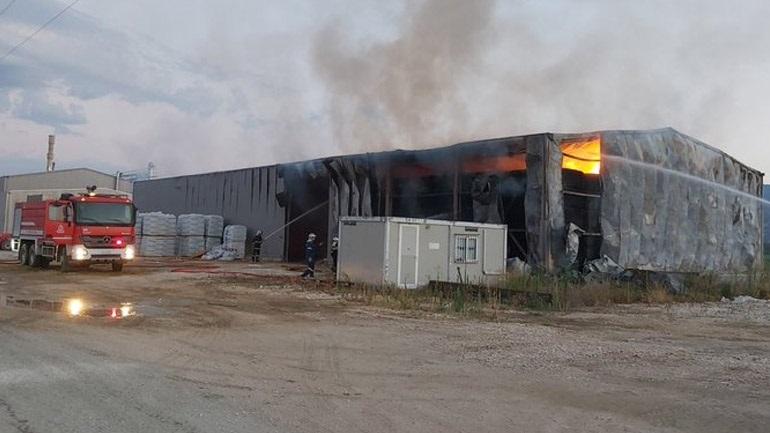 Πυρκαγιά σε αποθήκη με ζωοτροφές στον Αμπελώνα Λάρισας