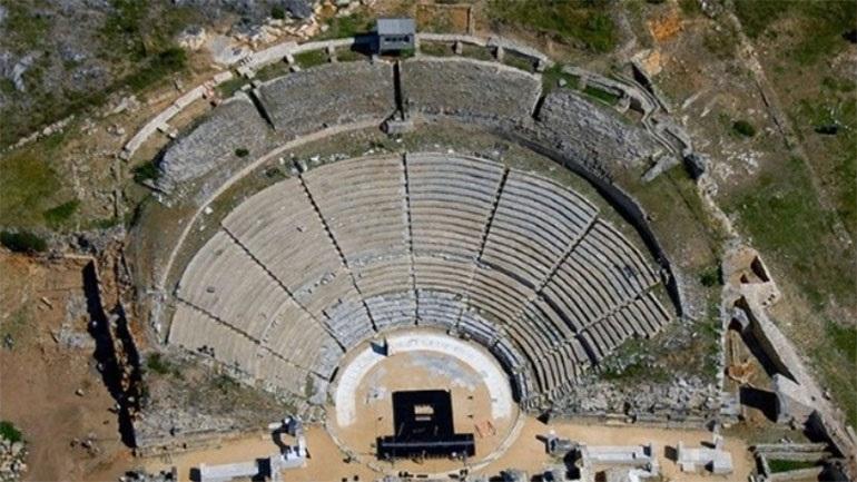 Η «Ελένη» του Γιάννη Ρίτσου στο Αρχαίο Θέατρο της Μίεζας