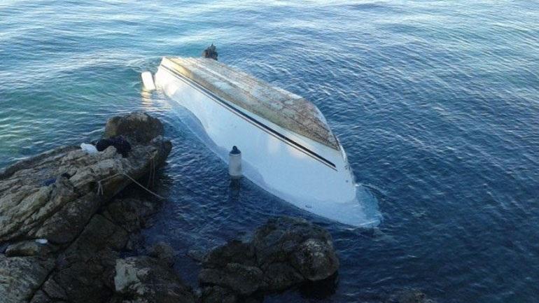 Κρήτη: Άκαρπες ως τώρα οι έρευνες για το ζευγάρι που αναποδογύρισε η βάρκα τους