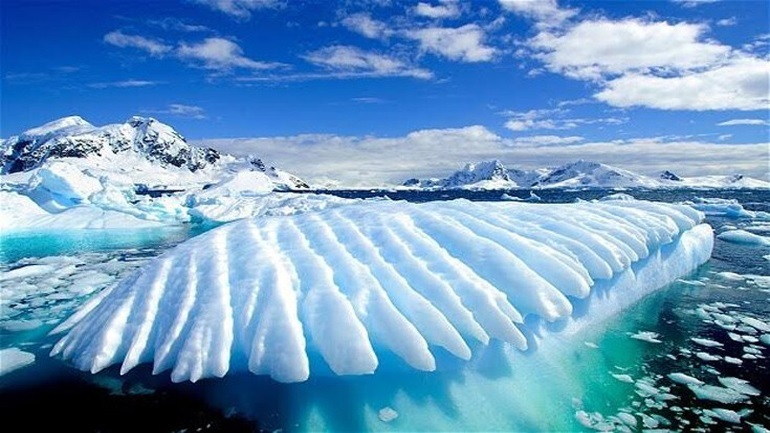 Γροιλανδία: 22 γιγατόνοι πάγου έλιωσαν σε μια ημέρα - Η τρίτη μεγαλύτερη απώλεια των τελευταίων 70 χρόνων