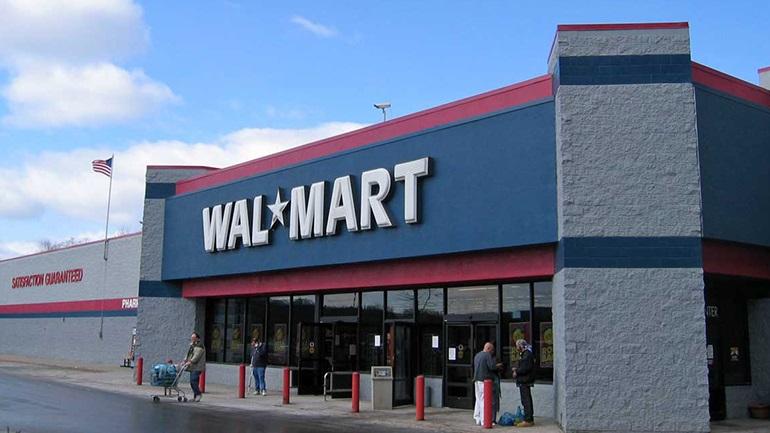 ΗΠΑ: Υποχρεωτική και πάλι η μάσκα για τους εργαζόμενους στα καταστήματα Walmart