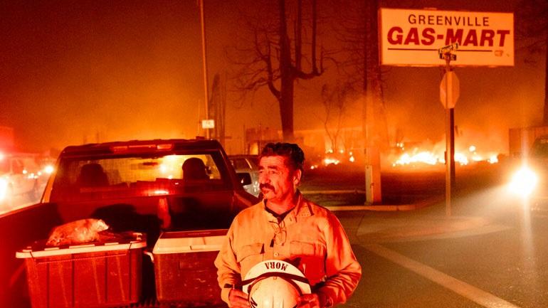 Πυρκαγιές στην Καλιφόρνια: Τουλάχιστον 2.000 άνθρωποι εγκαταλείπουν τα σπίτια τους