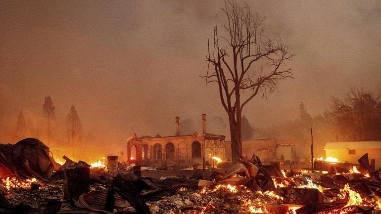 Καλιφόρνια: Συνεχίζει την καταστροφική της πορεία η πυρκαγιά Ντίξι