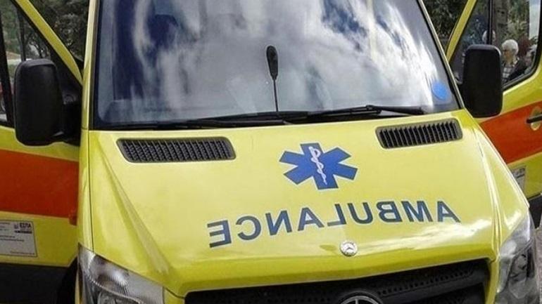 Παλλήνη: Αυτοκίνητο έπεσε πάνω σε στάση -  Έξι τραυματίες, ο ένας σοβαρά
