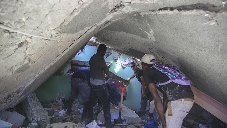 Σεισμός στην Αϊτή: Τουλάχιστον 304 νεκροί