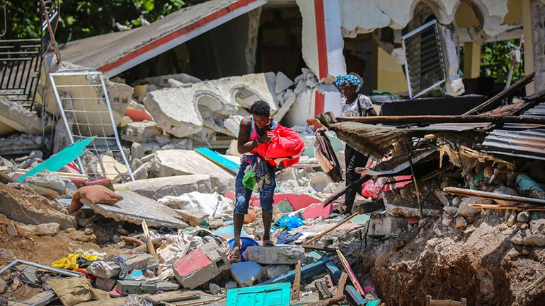 Αϊτή: Τουλάχιστον 1.300 νεκροί και περισσότεροι από 5.700 τραυματίες