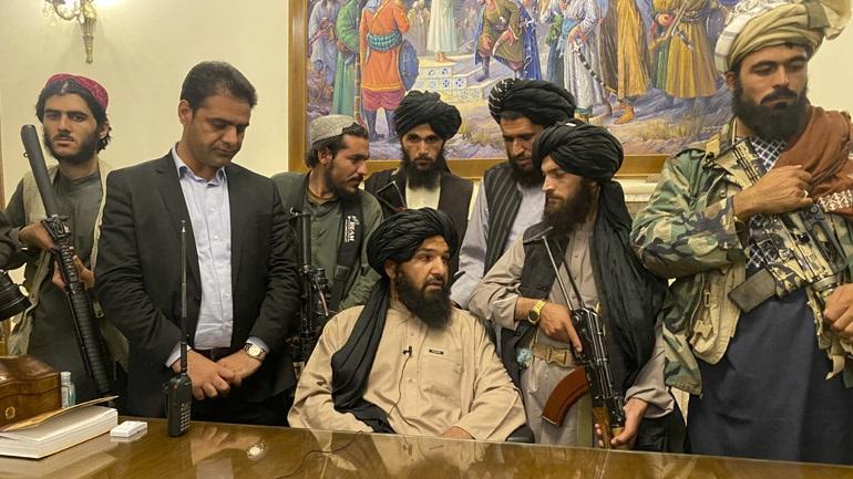 Ο μουφτής του σουλτανάτου του Ομάν «συγχαίρει» τον «αδελφό αφγανικό λαό» για τη «νίκη του»