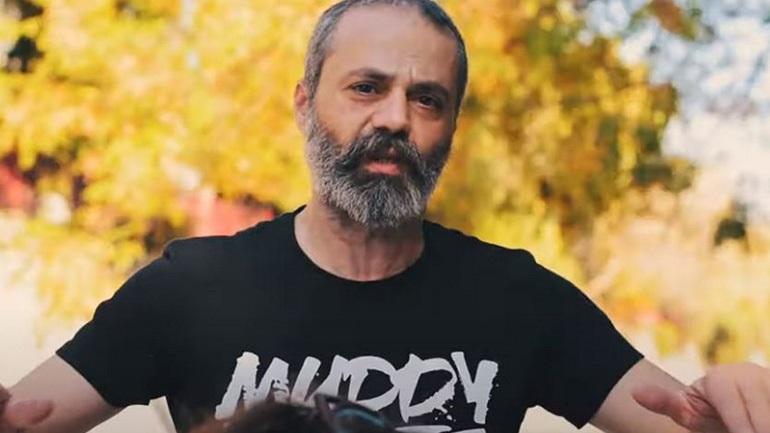 Νεκρός σε τροχαίο με εγκατάλειψη ο Οδυσσέας Τσιαμπόκαλος, συνιδρυτής του συγκροτήματος Razastarr