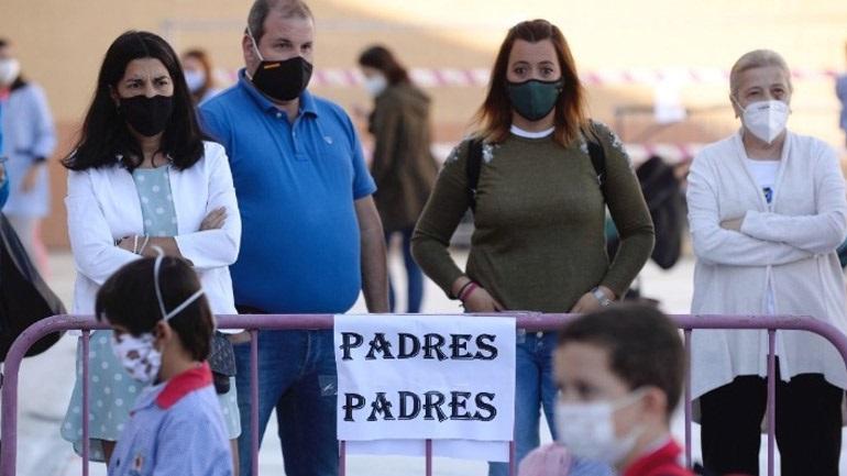 Ισπανία: Υποχρεωτική η μάσκα στα σχολεία