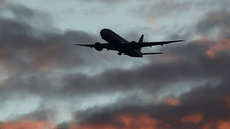Αφγανιστάν: Μια γυναίκα γέννησε μέσα στο αεροπλάνο που την μετέφερε στη Βρετανία