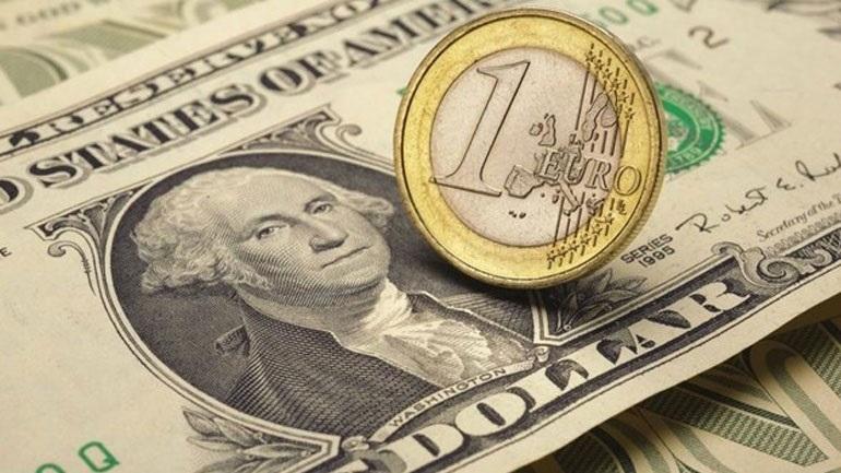 Σημείο ισορροπίας βρίσκει το ευρώ έναντι του δολαρίου