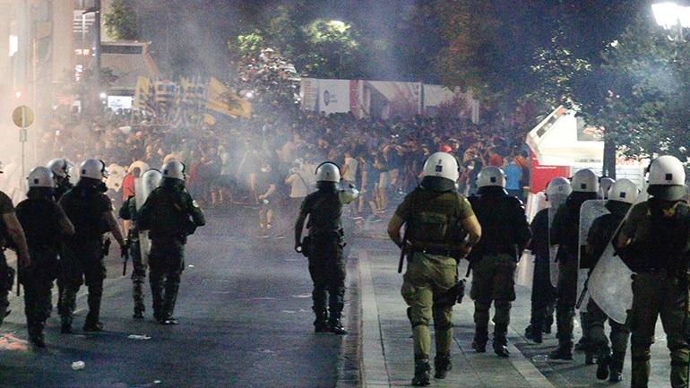 Προβληματίζουν κυβέρνηση και αντιπολίτευση οι ογκώδεις διαδηλώσεις